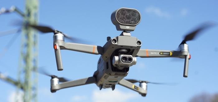 Drohne mit Lautsprecher