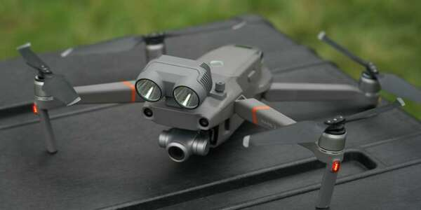 dji-mavic-2-enterprise-zoom-universal-edition~4-2x1.jpg